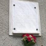 II. világháborús emléktábla a templom oldalán